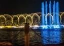 Đài phun nước phao nổi trên sông hồ tự nhiên