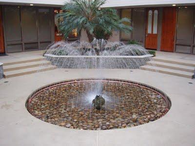Mẫu đài phun nước nghệ thuật mini cá phun nước