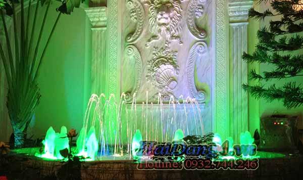 Đài phun nước nghệ thuật tại sân vườn nhà anh Thám