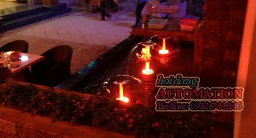 Hồ nước nhỏ gồm 3 đầu phun tạo hình nấm, bên dưới có gắn đèn LED âm nước