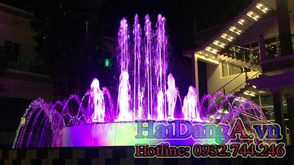 Nhạc nước nghệ thuật, đài phun nước đổi màu tím