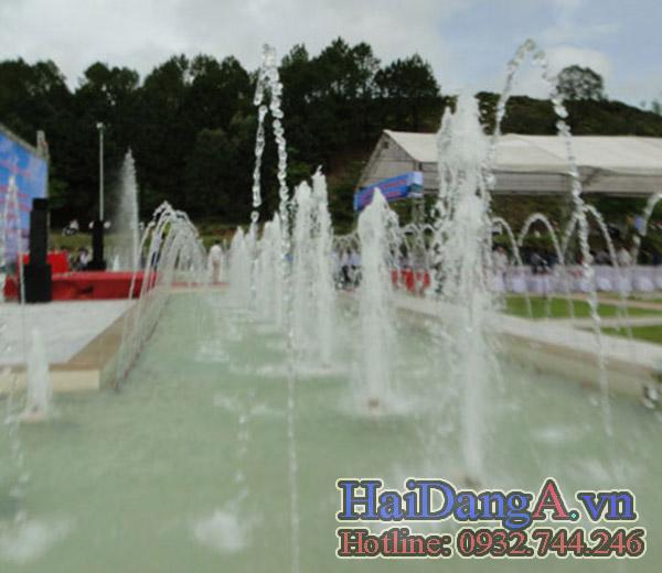 Hệ thống phun nước tại tượng đài gồm nhiều đầu phun HDN S và HDN C