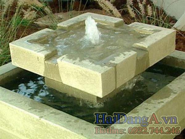 Tháp đá phun nước mini dễ thương