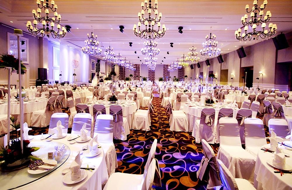Bố trí bàn tiệc tại White Palace