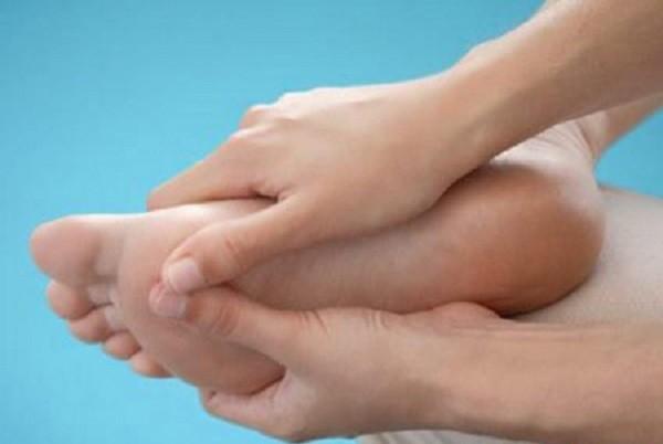 Chữa rỗ lòng bàn chân