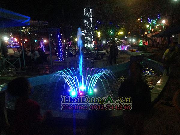 Hồ phun nước nghệ thuật mini tại nhà công tử Bạc Liêu