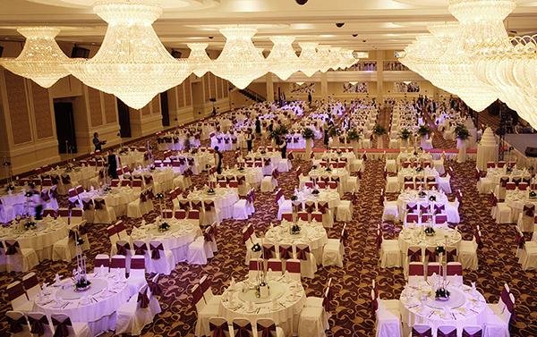 White Palace có thể phục vụ tiệc cưới lên đến 110 bàn