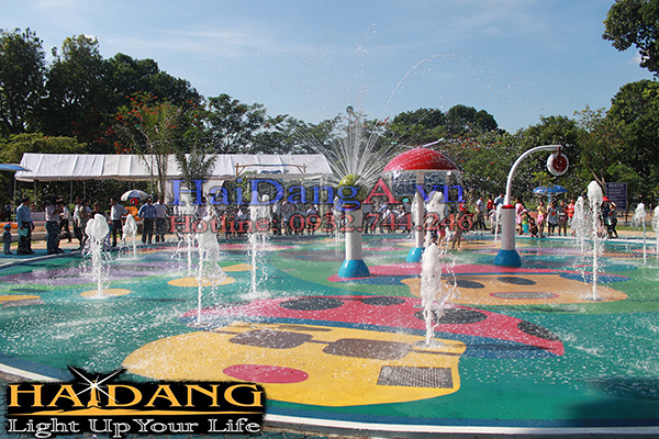 Các vòi phun sủi, nấm phun nước tại công viên Gia Định