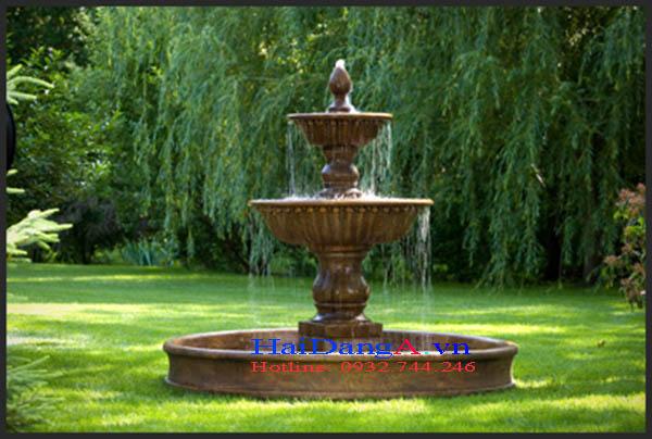Pháp đá phun nước xinh xắn trong góc vườn nhà