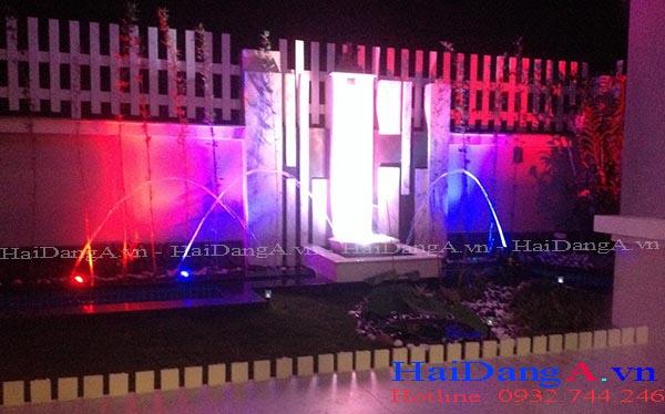 Các đầu phun nước cầu vồng hình nấm và đèn LED âm nước nhiều màu sắc