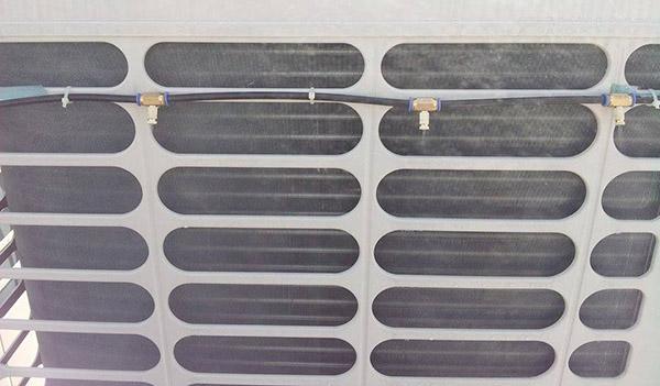 Lắp đặt đầu phun và ống dẫn nước vào các vị trí cần phun sương