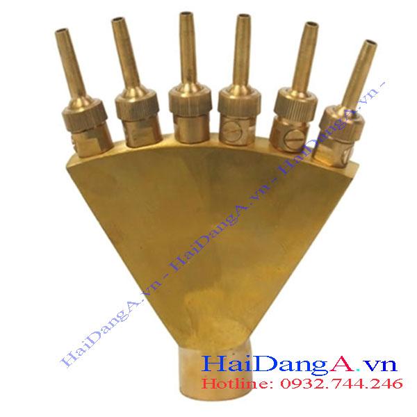 Đầu phun nước hình bàn tay bằng vật liệu đồng thau