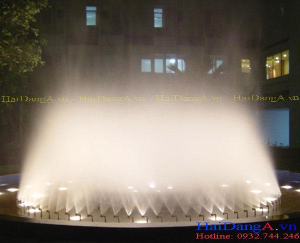 Hồ phun nước dùng các đầu béc phun sương nghệ thuật