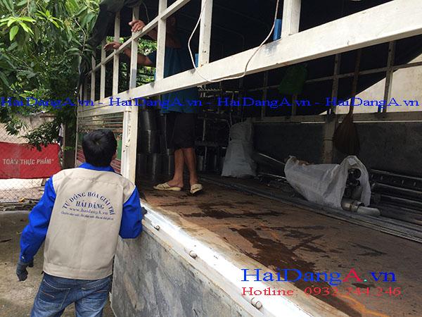 Vận chuyển vật tư trang thiết bị tại xưởng của Hải Đăng xuống công trình tại Cần Thơ