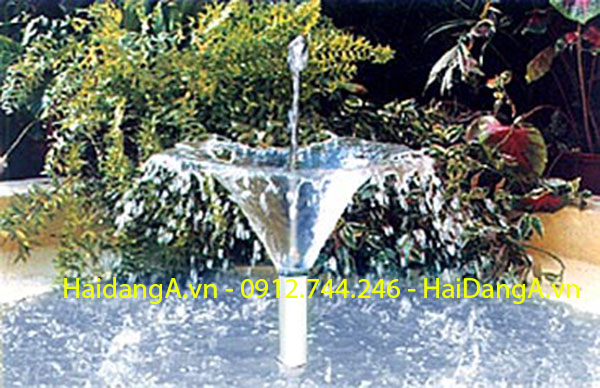 Ứng dụng lắp đặt đầu béc phun nước hình bông hoa loa kèn tại hồ cảnh