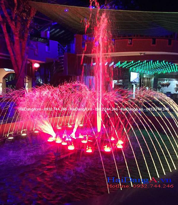 Đài phun nước theo âm nhạc tại cafe V9 về đêm