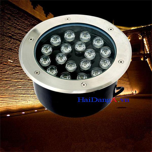 Đèn LED âm sàn ngoài trời chiếu tường