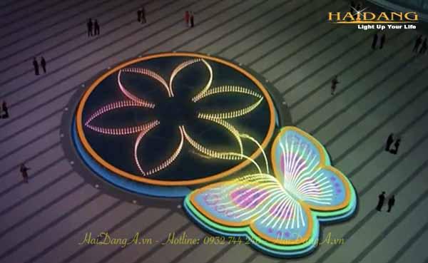 Vòi phun hình con bướm bay kết hợp với vòi phun hình cánh hoa sen