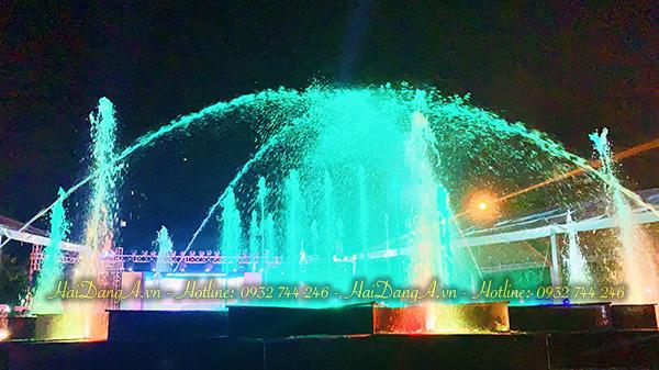 Hệ thống nhạc nước quảng trường Quận 4 lung linh sắc màu
