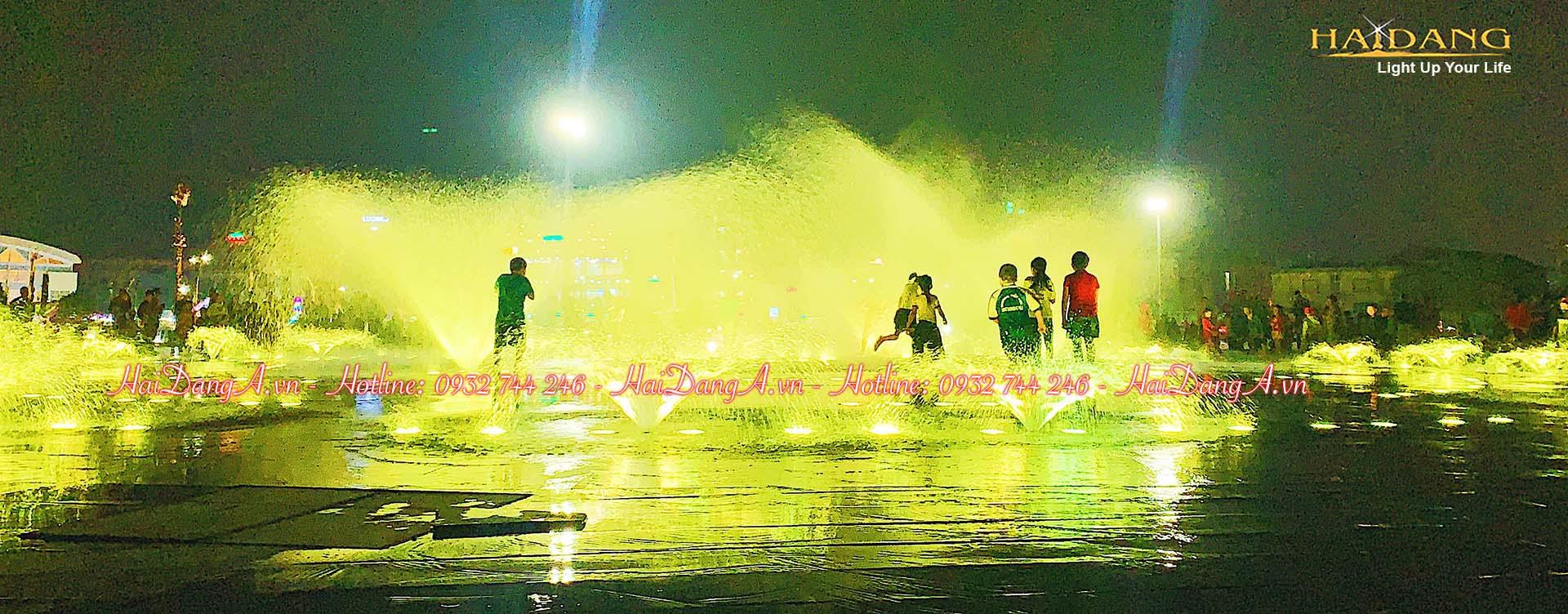 Đài phun nước âm sàn kết hợp âm nhạc ánh sáng và sân chơi nước trẻ em tại Quảng trường 1-4 Tuy Hoà