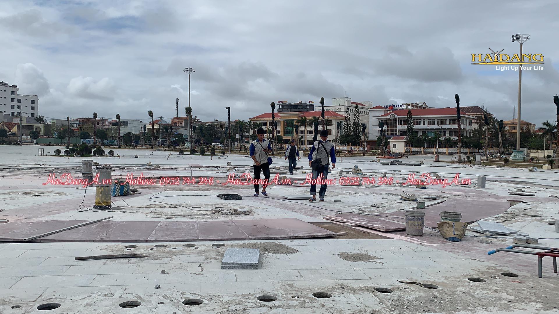Nhân viên cty Hải Đăng thi công lắp đặt hệ thống nhạc nước âm sàn quảng trường 1-4
