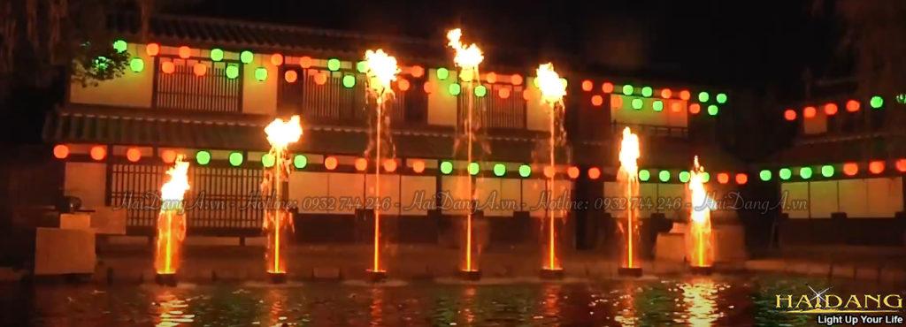 Điều khiển ngọn lửa lên xuống theo chiều cao của cột nước