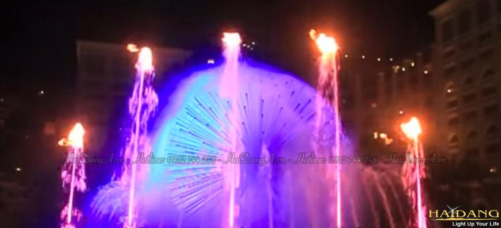Lửa cháy trên ngọn nước trong hệ thống đài phun nước