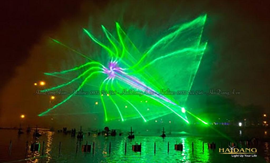 Trình diễn Laser 3D chiếu trên màn nước