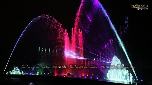 02 Vòi phun cầu vồng rực rỡ tại hệ thống đài phun nhạc nước Mikazuki