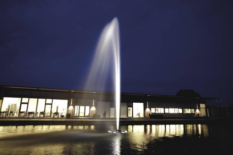 Geyser được ứng dụng ở các đài phun nước nổi